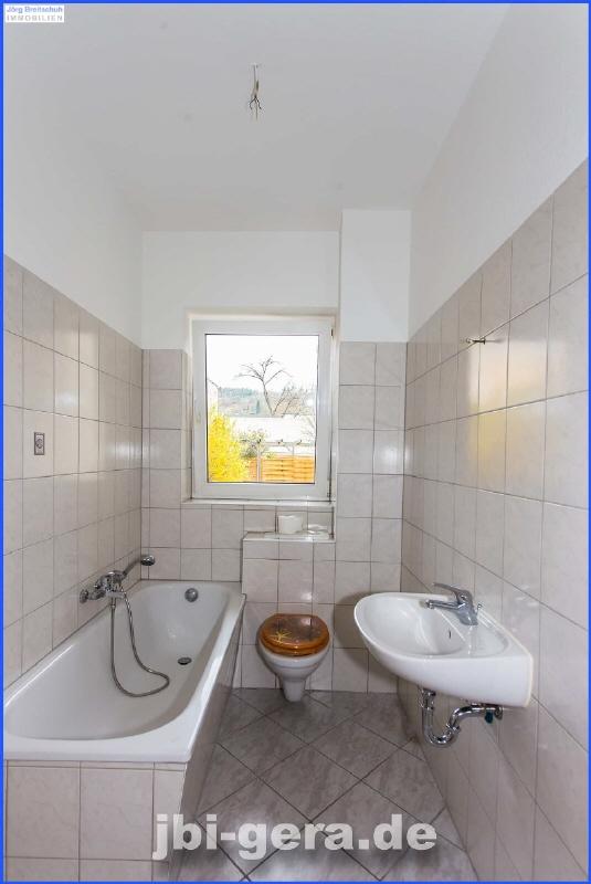 Nr 36 WE 2 Bad mit Fenster